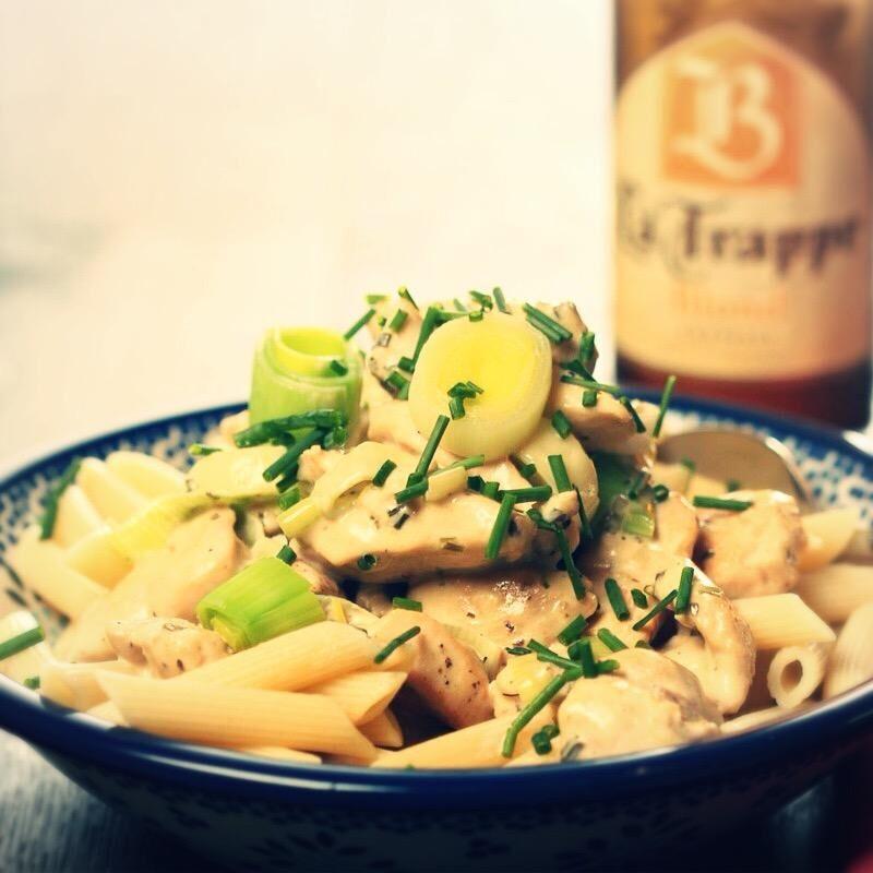 Krémsajtos-póréhagymás tészta pulykamellel és La Trappe Blond sörrel