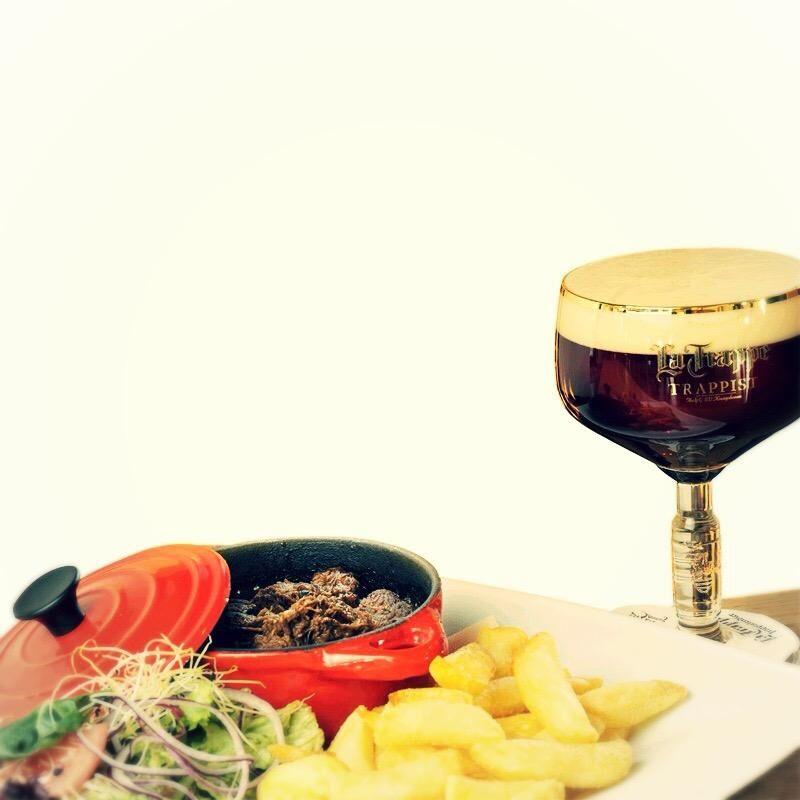 La Trappe Dubbel sörrel főtt flamand marharagu